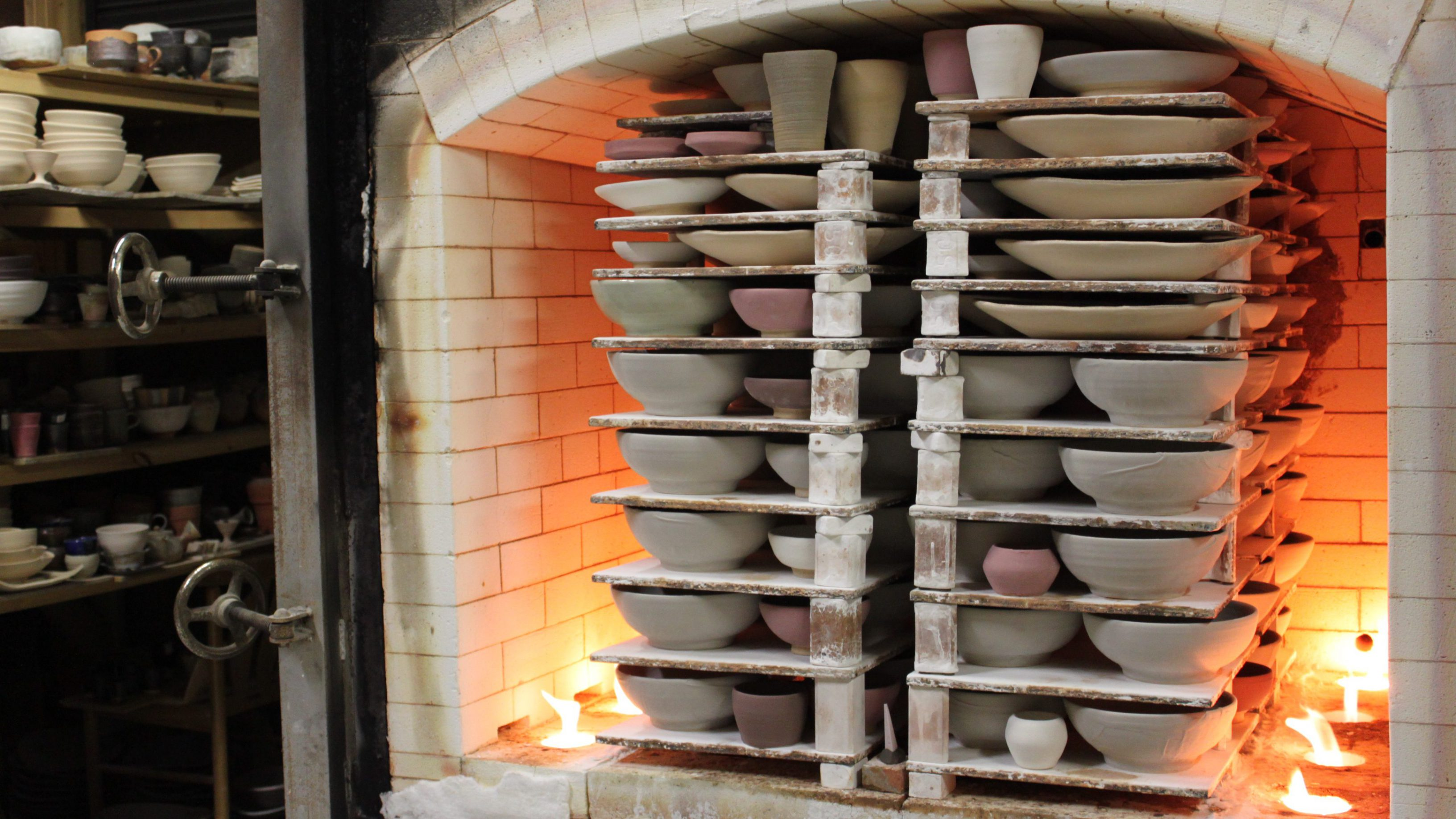 陶芸体験の作品はこの窯で焼かれます